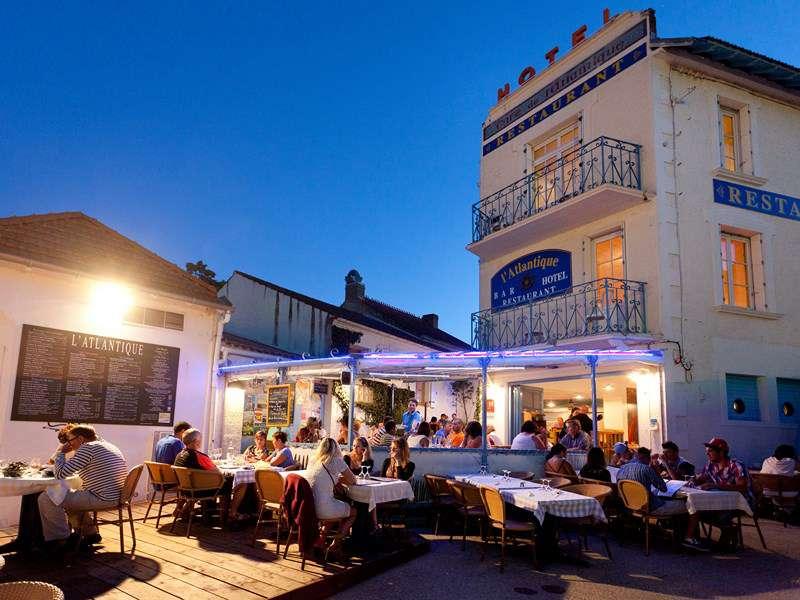 Hotel Restaurant De La Plage La Faute Sur Mer